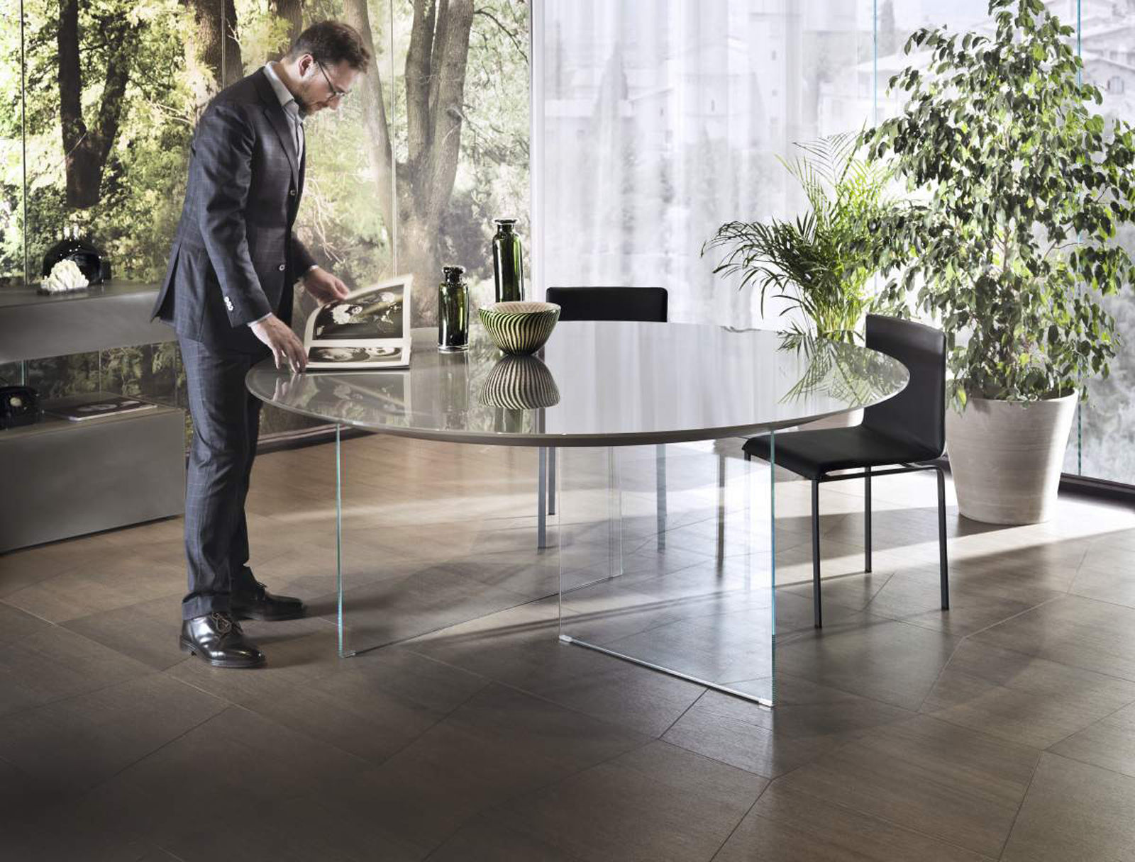 Glass Air table | Livingspace